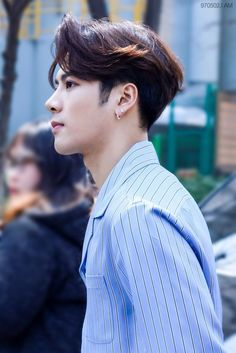 sometimes i forget how pretty he is Youngjae, Bambam, Kim Yugyeom, Jackson Wang, Mark Jackson, Got7 Jackson, Jinyoung, Kpop, Rapper