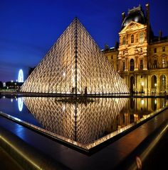 OK, I've been here ... I LOVE the Louvre Museum in Paris, but I DETEST the pyramid! It's JARRING & does NOT fit the beauty that surrounds it! I HATED it.