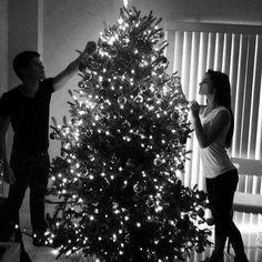 Cute couple makes the christmas tree Christmas Couple, Christmas Pictures, Christmas Time, Merry Christmas, Xmas, Christmas Countdown, White Christmas, Christmas Ideas, Cute Relationship Goals