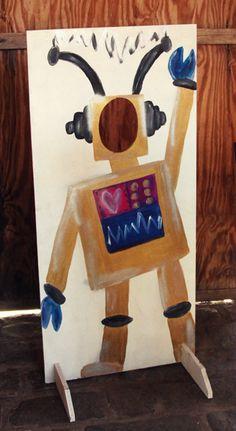 m.e: Robots, games and cake