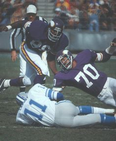 Minnesota #Vikings Hall Of Fame Defensive Tackle Alan Page and Defensive End Jim Marshall - Photo Gallery: picture 2 of 18