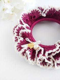 フランボワーズクリーム2 Crochet Bookmark Pattern, Crochet Bookmarks, Crochet Motif, Crochet Designs, Crochet Flowers, Crochet Stitches, Crochet Baby, Crochet Patterns, Crochet Hair Accessories