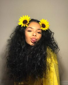 lets stick out tongues outside windows and be wild together. id love to be young. Curly Hair Tips, Curly Hair Styles, Natural Hair Styles, Baddie Hairstyles, Cool Hairstyles, Aesthetic Look, Black Girl Art, Girl Photography, Hair Hacks