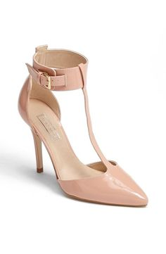 Topshop 'Goslin' Pump in Pale Pink