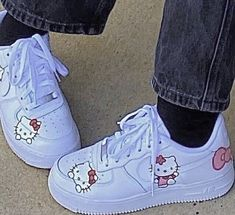 Mode Emo, Hello Kitty Shoes, Mode Kawaii, Estilo Indie, Nike Air Force 1, Swag Shoes, Indie Girl, Aesthetic Shoes, Hype Shoes