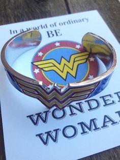 Movie Superhero Wonder Women Charm Bracelet Fantasy Universe Torque Winner Acronym W Crown Pentagram Armor Bracelet Action Toy Outstanding Features Action & Toy Figures