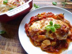 Μια εύκολη, γρήγορη και πολύ πολύ νόστιμη συνταγή. Μπουτάκια κοτόπουλου 'μπουγιουρντί'. Ένα πικάντικο φαγητό για το καθημερινό οικογενειακό τραπέζι αλλά και για τα τραπέζια με τους καλεσμένους σας.