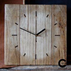 Brushed pallet wood wall clock. www.etsy.com/shop/CraftyIsland