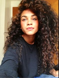 Natural hair styles for curly girls