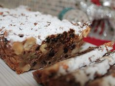 The whole family will go nuts for this positively scrumptious slice, jam-packed with fruity Christmas flavours. Xmas Food, Christmas Sweets, Christmas Cooking, Christmas Recipes, Christmas Entertaining, Christmas Cakes, Christmas Foods, Christmas Ideas, Bubble Christmas