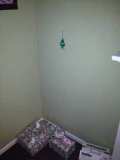 Example of people showing the real spirit of christmas: Phoning it in | Merry Christmeh | Happy Place