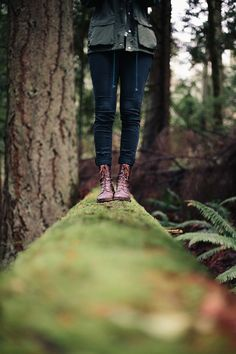 pinterest @lilyosm | i could totally do this | easy Instagram picture photo idea woods winter fall spring warm clothes jacket combat boots log logs forest standing perspective girl