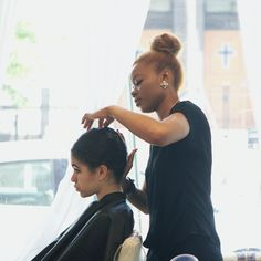 We're open 7 days a week! Book an appointment today w/ #SparkleBeautyParlor ;) #SBP #NYC #HairGoals #Hair #HairTransformation #HairSalon #Manhattan #EastHarlem #HairCut #HairStyle #NYCLife #Balayage #HairColor #instahair #instagood #blonde #gorgeous #hair