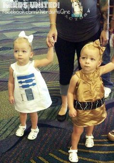 The very most adorable droids evarr----#nerd #geek #nerdsunited #starwars #starwarsbaby #r2d2 #cp30 #starwarscosplay #kidcosplay