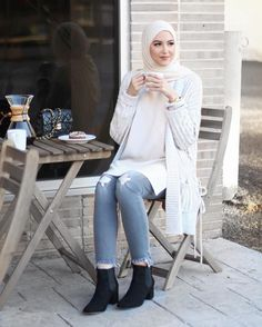 Awesome Casual Hijab Fashion for winter – Girls Hijab Style & Hijab Fashion Ideas Hijab Fashion 2017, Modest Fashion Hijab, Modern Hijab Fashion, Muslim Fashion, Look Fashion, Fashion Outfits, Hijab 2017, Fashion Ideas, Girl Outfits