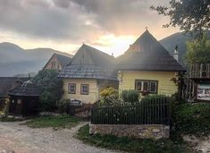 Vlkolinec 💚 This UNESCO World Heritage Site is a must see in Slovakia. Heritage Site, Folk, Wanderlust, Culture, Explore, Mountains, Sunset, Landscape, House Styles