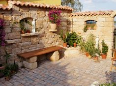 Mediterranean Garden Wall With Window Garden Design Ideas - Mediterranean Garden Wall With Window Garden Wall Prices Cost Overview The Foundation For Your Garden Wall Erects You The Pro For About Eur Per Running Meter What Prices You Still Expect And Patio Pergola, Backyard Patio Designs, Backyard Landscaping, Desert Backyard, Pergola Ideas, Garden Deco, Herb Garden, Outdoor Rooms, Outdoor Living
