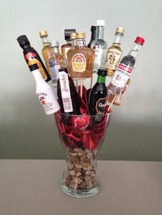 49 Ideas for gifts baskets for men alcohol Alcohol Gift Baskets, Liquor Gift Baskets, Gift Baskets For Men, Alcohol Gifts, Alcohol Bouquet, Liquor Bouquet, Mini Alcohol Bottles, Mason Jar Party, 21st Birthday Gifts