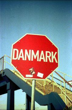 Stop! This is Denmark! - monoton&minimal #photography