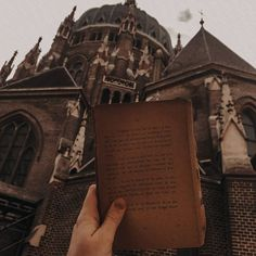 ᴄʟᴀᴜᴅɪᴀ (@claudiamerrill) • Instagram photos and videos | dark academia Louvre, Photo And Video, Dark, Videos, Building, Photos, Travel, Instagram, Pictures