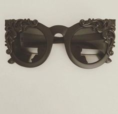 0cff106fae50 Tip Cat Eye Sunglasses,. See more. Victorian Midnight #Redheadgirl  Victorian Outfits, Victorian Shoes, Vintage Gothic, Victorian Goth,