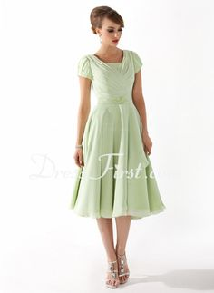 A-Line/Princess Scoop Neck Tea-Length Chiffon Mother of the Bride Dress With Ruffle Beading (008005918)