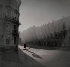 alexey titarenko - black and white magic of st petersburg Andre Kertesz, Old Photography, Street Photography, Alexey Titarenko, Dada Art Movement, City Of Shadows, Alternative Rock, Graffiti, Indie