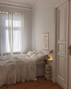 Caught in a bed romance - Decoration For Home Dream Rooms, Dream Bedroom, Home Decor Bedroom, Bedroom Ideas, Bedroom Club, Scandi Bedroom, Bedroom Romantic, Bedroom Simple, Bedroom Curtains