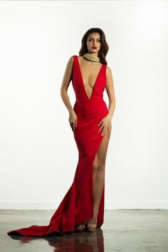 Stello - Donner (Deep plunge neck with high slit and train) Beautiful Long Dresses, Glamorous Dresses, Pretty Dresses, Beautiful Ladies, Dance Dresses, Prom Dresses, Michael Costello, Sexy Legs And Heels, Curvy Girl Fashion