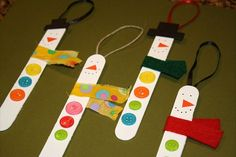 Easy craft: popsicle stick snowman ornaments xmas crafts, christmas crafts for Christmas Activities For Kids, Preschool Christmas, Christmas Crafts For Kids, Simple Christmas, Holiday Crafts, Holiday Fun, Christmas Decorations, Homemade Christmas, Snowman Crafts