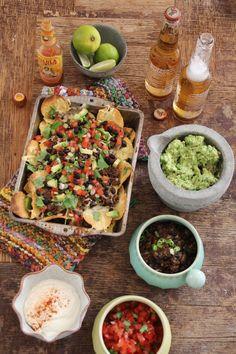 One pot wonder - lettvint gryterett - Mat På Bordet One Pot Wonders, Refried Beans, Tex Mex, Guacamole, Cobb Salad, Cravings, Food And Drink, Dessert Recipes, Pizza