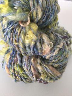 """Echeveau de laine filée au rouet """"pastel"""" : Mercerie par la-laine-de-fanfan"""