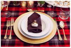 gold plate, checkered tablecloth and gold ornament