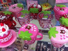 Canecas! Otaku Room, Kawaii Room, Decoration, Cool Stuff, Stuff To Buy, Berries, Pastel, Girly, Mugs