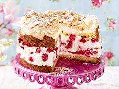 Unser beliebtes Rezept für Schneemousse-Torte mit Himbeeren und mehr als 55.000 weitere kostenlose Rezepte auf LECKER.de.