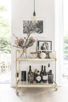 my scandinavian home: A tour of my kitchen! my scandinavian home: A tour of my kitchen! Decor, Home Decor Accessories, Bar Decor, Interior, Bar Cart Decor, White Dining Room, My Scandinavian Home, Bars For Home, Home Bar Decor
