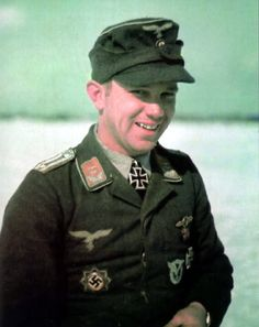 Oberleutnant Hans-Joachim Jäschke after receiving Ritterkreuz on 26 March 1944 Nagasaki, Hiroshima, Luftwaffe, Fukushima, Nazi Propaganda, German Uniforms, Military Uniforms, Germany Ww2, German Army