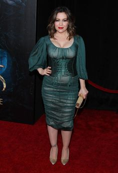 Alyssa Milano Photos Photos - Alyssa Milano attends 'Into The Woods' World Premiere - Outside Arrivals at Ziegfeld Theater on December 2014 in New York City. - 'Into the Woods' Premieres in NYC Alyssa Milano Charmed, Alyssa Milano Hot, Allyssa Milano, Seinfeld, Into The Woods, Beautiful Celebrities, Sexy Women, Bodycon Dress, Actresses