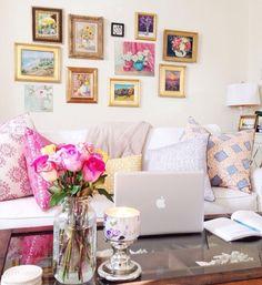 Living Room: House, Home & Apartment Decor Apartment Living, Home Living Room, Living Spaces, Small Living, Bright Pillows, Sweet Home, My New Room, Home Decor Inspiration, Decor Ideas