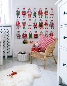 Decoración de Navidad con Papás Noel de todo el mundo