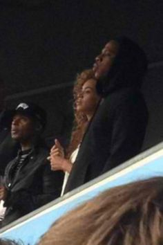 [Video] Beyonce Caught Partying Like A Rockstar At Cold Play Concert