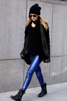 I love these Carolina Wyser jeans! Such a practical way to spice up a winter outfit