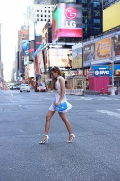 http://www.shallwesasa.com/2015/08/white-lace-dress-valentino-bag.html