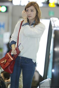 SNSD Jessica Airport Fashion ^.^ http://okpopgirls.rebzombie.com/wp-content/uploads/2012/10/SNSD-Jessica-airport-fashion-oct-28-2-8.jpg