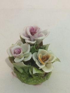 Grupo Escultórico De Flores-rosas-capodimonte.italy-déc 60 - R$ 158,00 no MercadoLivre