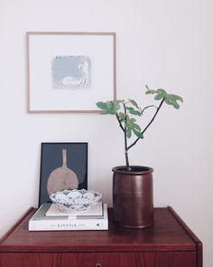 Johannes Holt Iversen - Ink Study in Interior Setting - Copenhagen (Denmark) Decoration, Floating Nightstand, Cali, Living Room Designs, Bungalow, Interior Decorating, Home And Garden, Ink, Fresh
