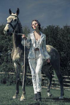 www.pegasebuzz.com | Horse in Fashion : Richard Powazynski : Equestrian Couture