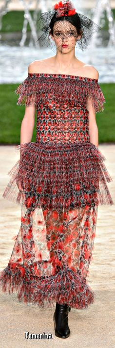 Chanel Spring Summer 2018 Couture Fashion 2018, Runway Fashion, Fashion Dresses, Womens Fashion, Mademoiselle Coco Chanel, Chanel Dress, Chanel Couture, Chanel Spring, Chanel Fashion