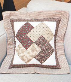Almofada com patchwork
