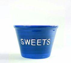 Nuestros dulces saben mejor en los envases tan molones que tenemos